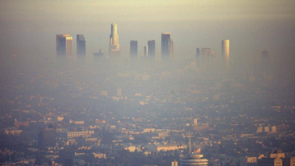 Contaminación sobre Los Ángeles.