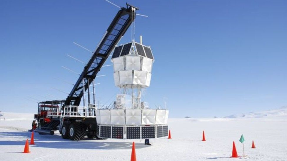 El proyecto ANITA, financiado en parte por la NASA, busca en la Antártica neutrinos de altas energías.