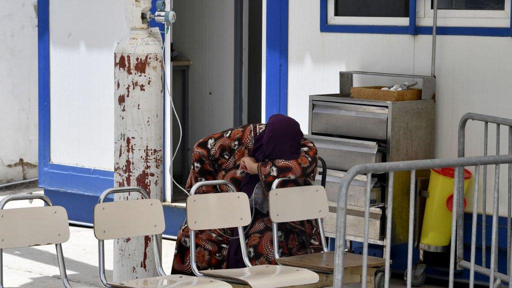 يحذر المختصون من انهيار المنظومة الصحية في تونس مقابل ما يتوقع من ارتفاع لأعداد المحتاجين للرعاية الطبية