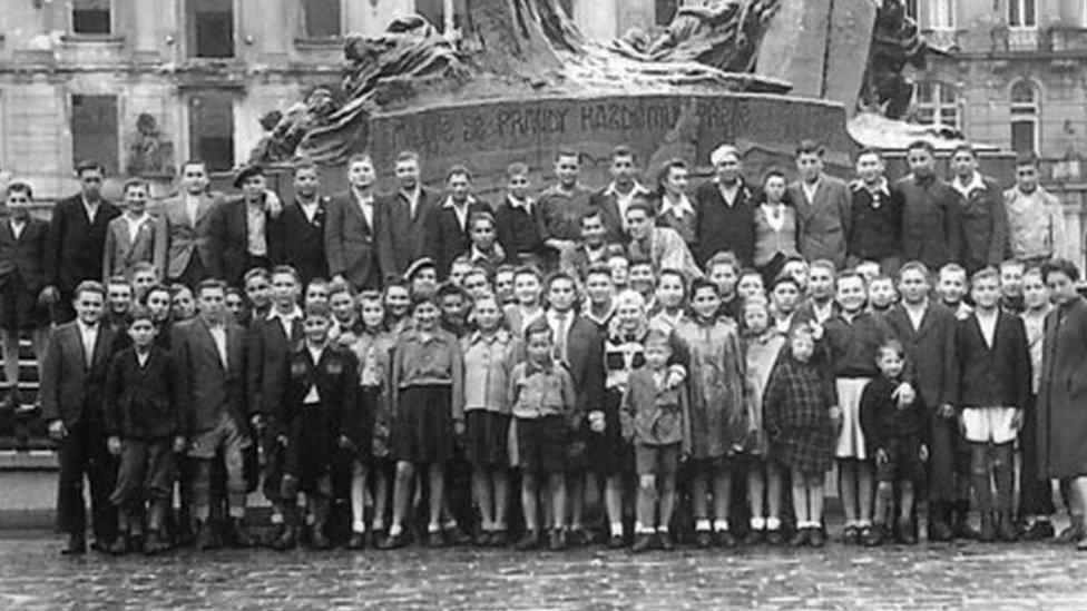 Prague Holocaust survivors photo recreated