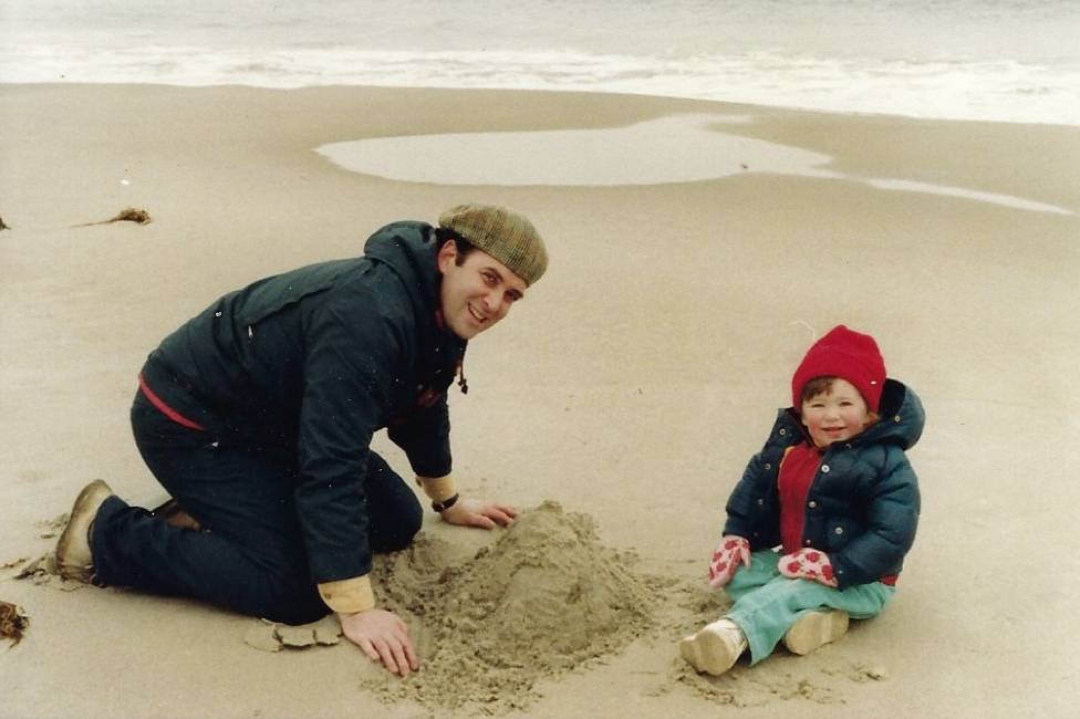 Ira and Sara Faith Alterman (aged around one) on the beach