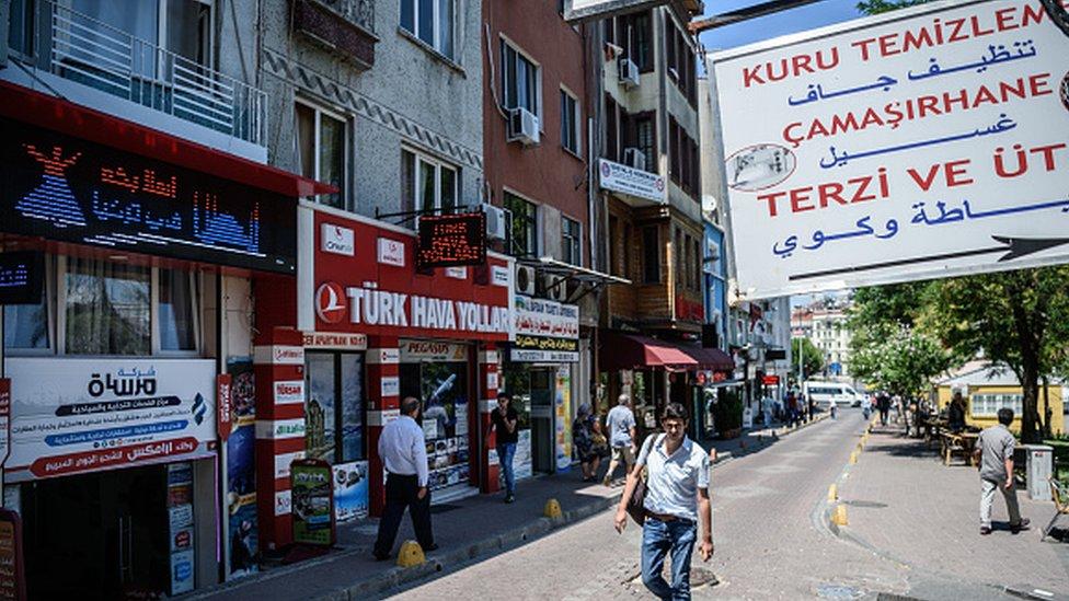 Fatih'te Suriyelilere ait dükkanlar