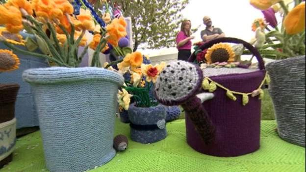 UK's 'first knitted show garden' goes on display