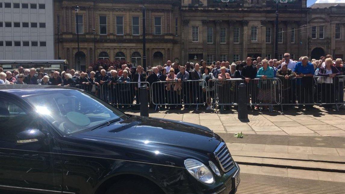 Brendan Ingle funeral: Sheffield gathers to say farewell