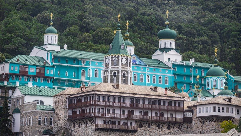 Прихожан РПЦ обмежили у відвідуванні Афону, на який вони могли витратити $200 млн
