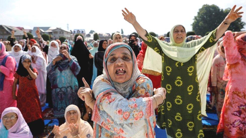कश्मीर: स्कूल तो खुल गए अब क्या है रणनीति?