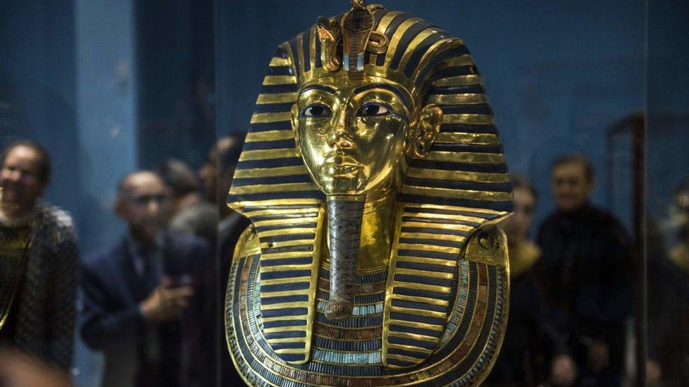القناع الجنائزي للملك توت عنخ آمون في المتحف المصري، صورة أرشيفية