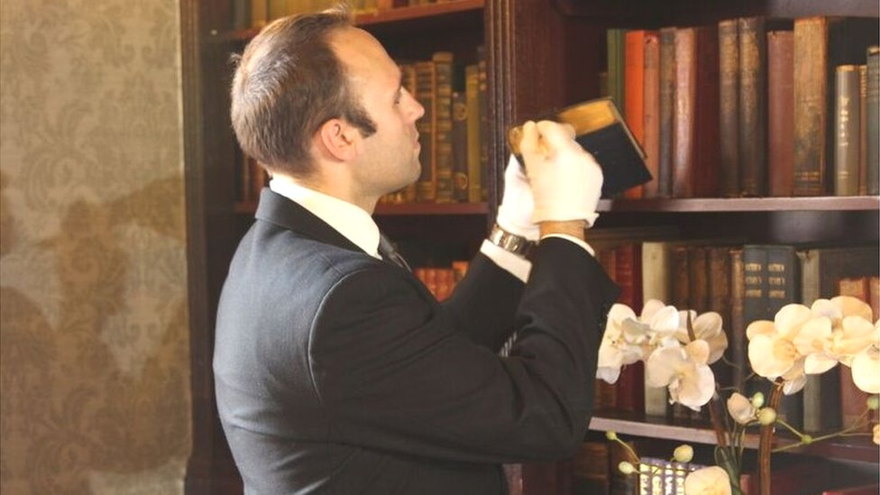 Simeon Rosset on household cleaning duties
