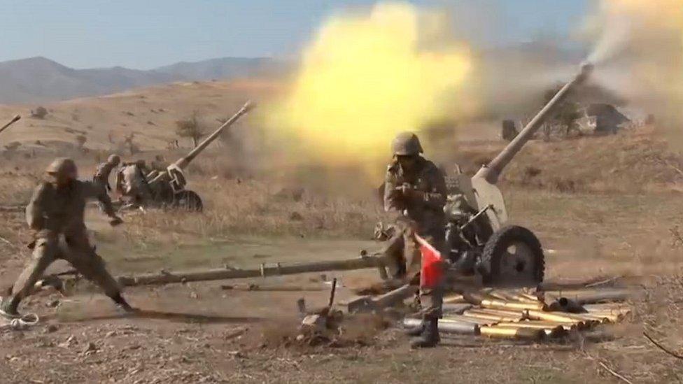 Artillería de Azerbaiyán, foto de archivo, 20 de octubre de 2020
