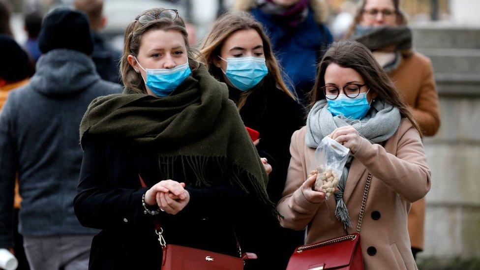 Koronavirus u regionu: Dramatičan rast zaraženih, Srbija uvodi nove mjere!