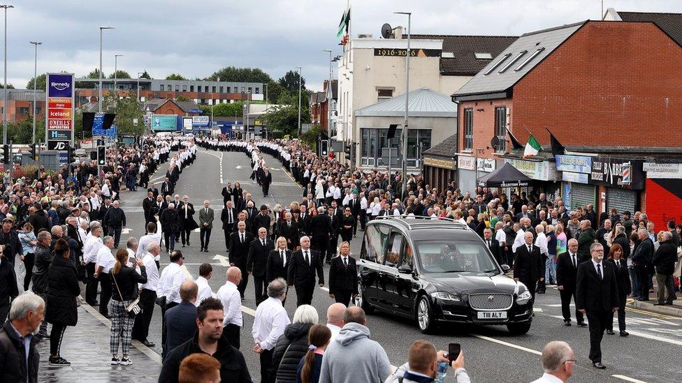 Funeral de Bobby Storey en Belfast en junio de 2020
