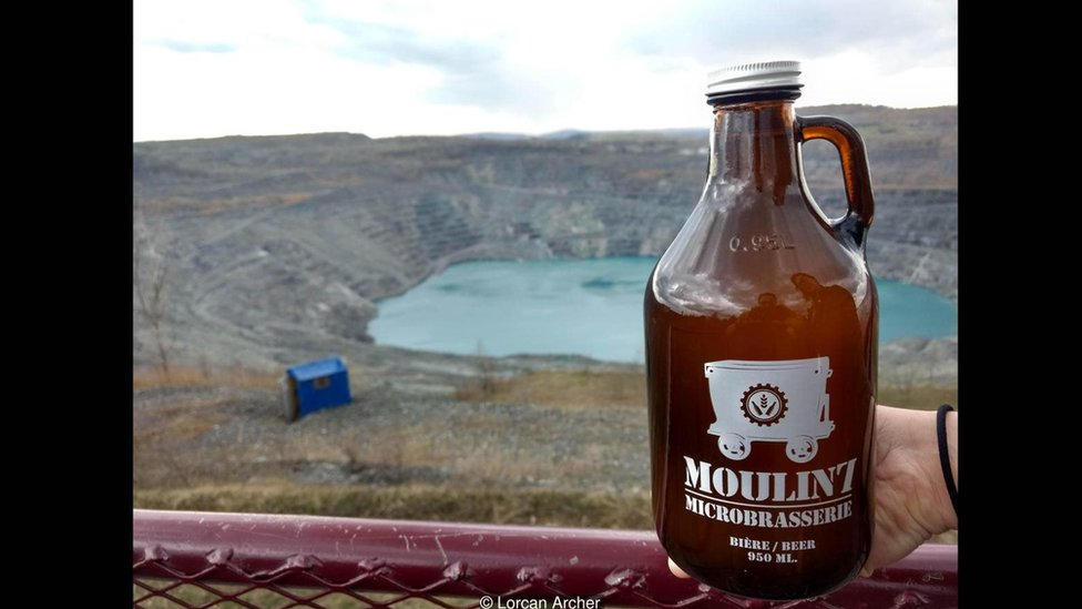 Una botella de Moulin 7