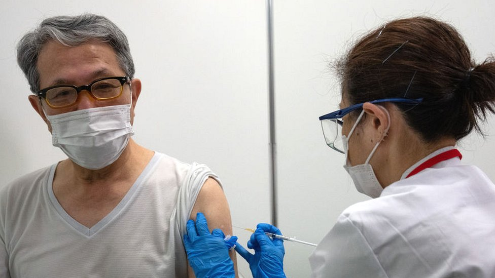 日本的疫苗接種計劃受到多項挑戰。
