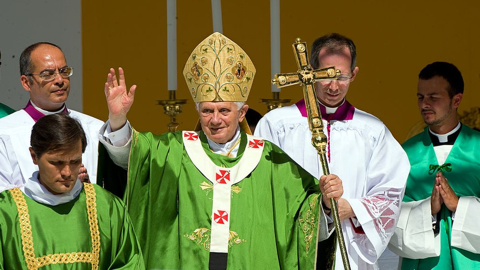 Benedicto.