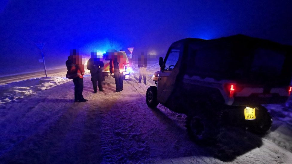Families rescued in Peak District after getting trapped in snow thumbnail