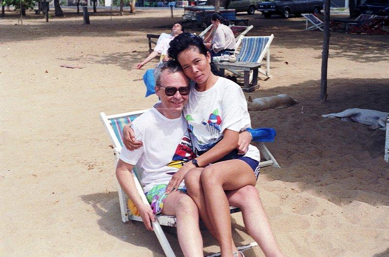 Sommai y su esposo en Pattaya hace casi 30 años.