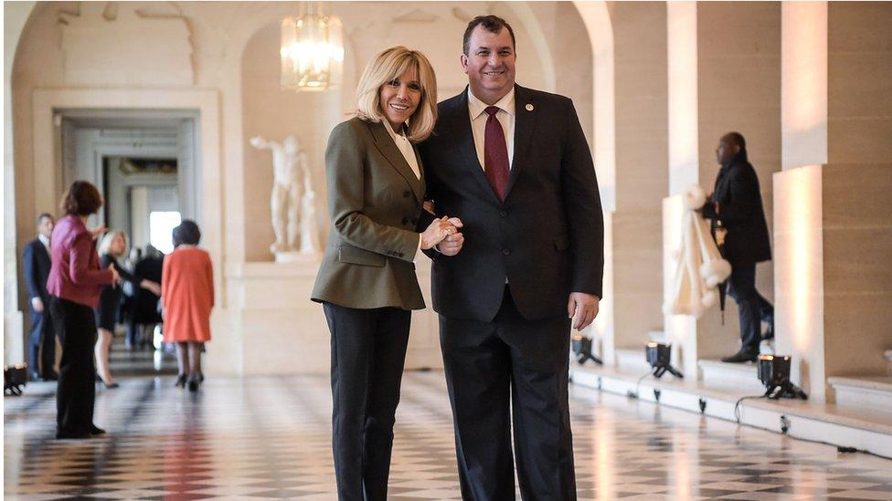 Jakov Kitarović sa prvom damom Francuske Brižit Makron, 11. novembra 2018.