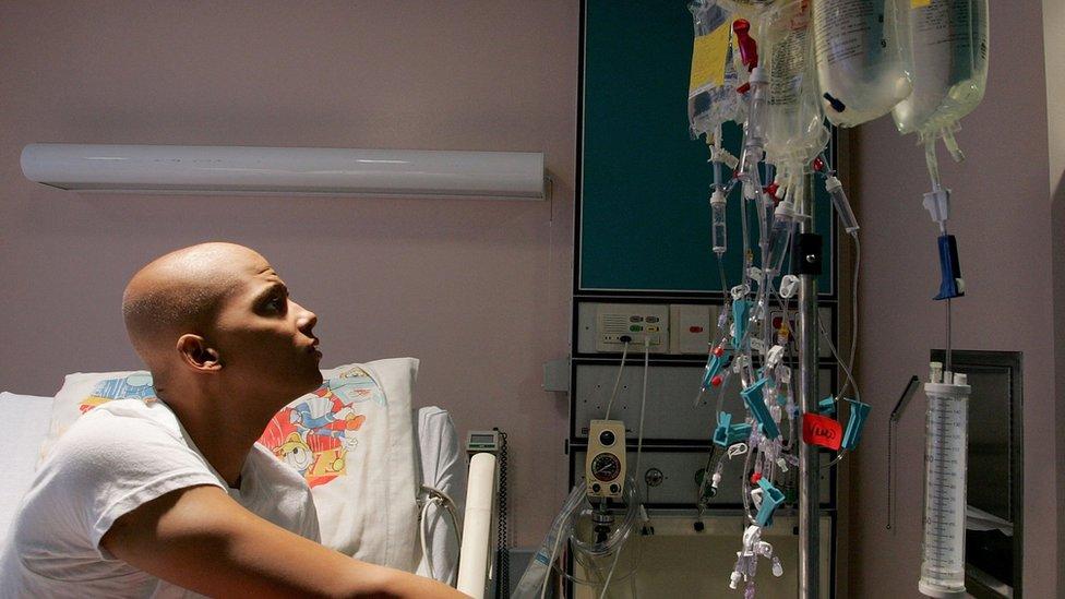 يحتاج مريض السرطان إلى الكثير من الرعاية والدعم