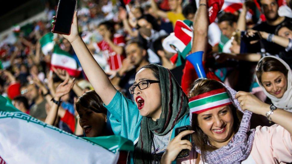 Іранським жінкам дозволили відвідувати футбольні матчі - вперше з 1979 року