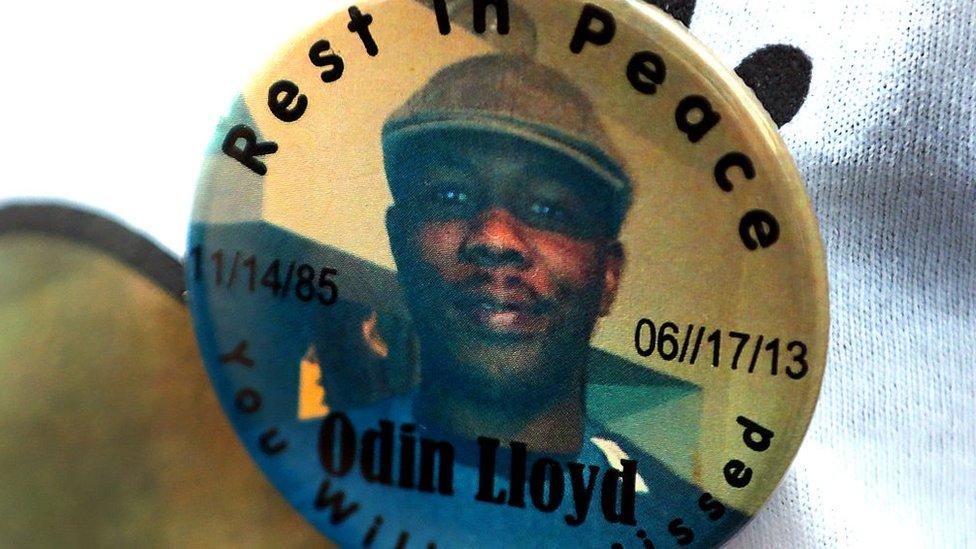 Pin de recuerdo a Odin Lloyd