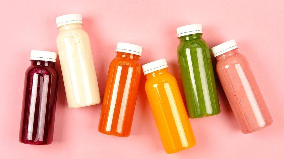 Botellas de jugos