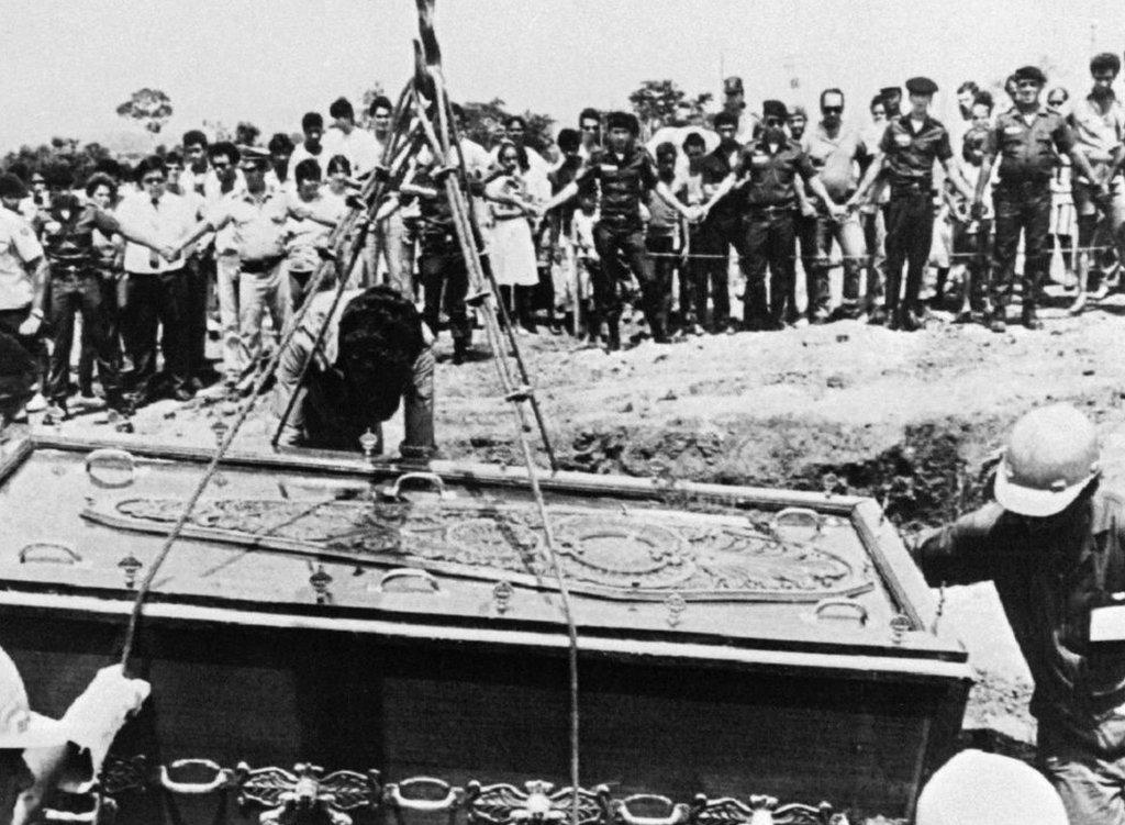 Un entierro en Goiânia, Brasil, en 1987