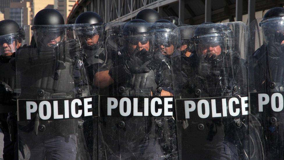 policija na granici sa Meksikom