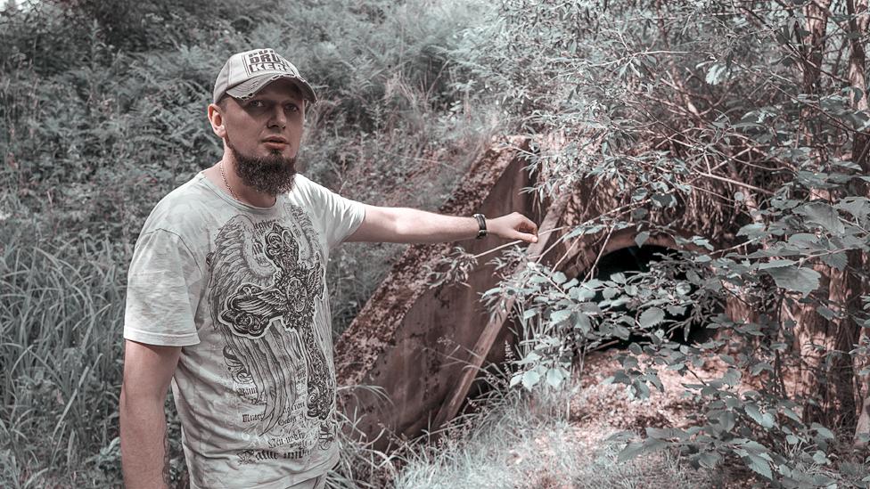 V lesu