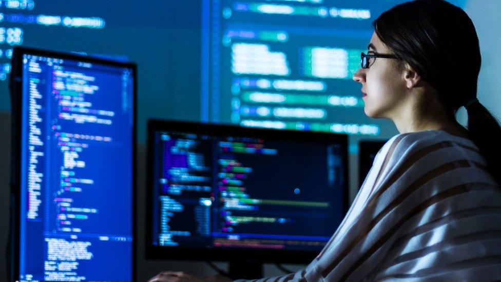 Analista de datos es unos de los empleos más solicitados por las empresas en los últimos años.