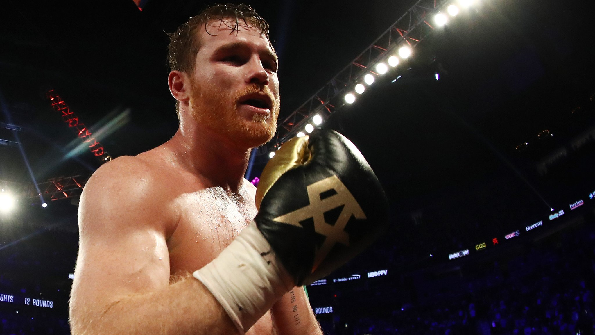 Saul Alvarez v Daniel Jacobs: World middleweight unification fight set for 4 May