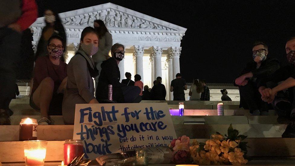 Građani ispred Vrhovnog suda u Vašingtonu, 18. septembar 2020. godine