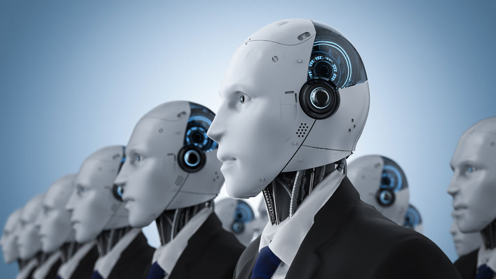 Robots vestidos como empresarios