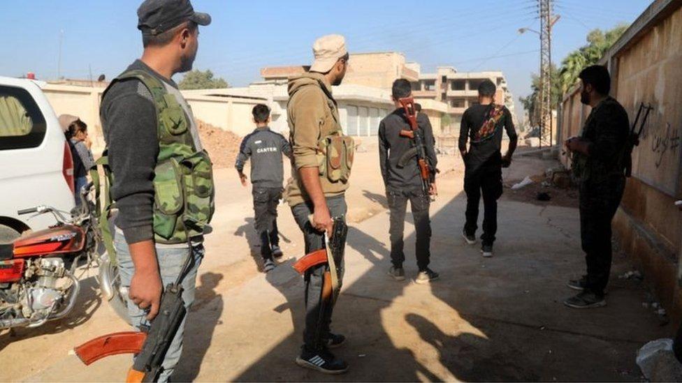 قوات سوريا الديمقراطية التي يقودها الأكراد يستعدون لمواجهة الجيش التركي