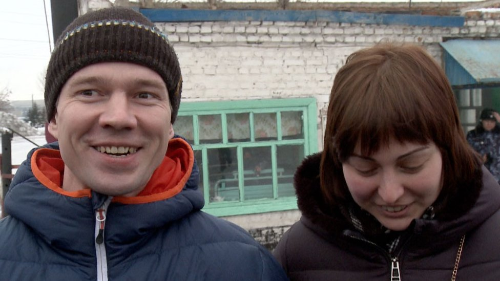 Anti-Kremlin activist Ildar Dadin and his wife Anastasia Zotova after he was released from prison (26 February)