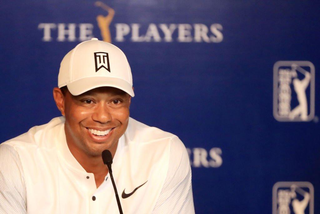 Woods considera que el estilo de James abarca más facetas del juego que el de Jordan.