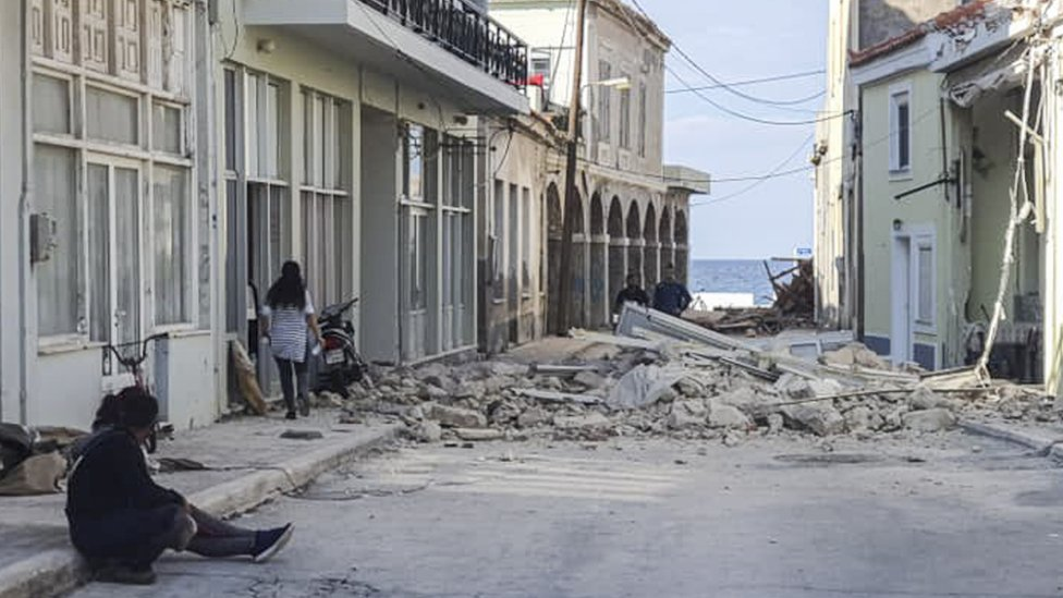 People assess the damage on Samos, Greece. Photo: 30 October 2020