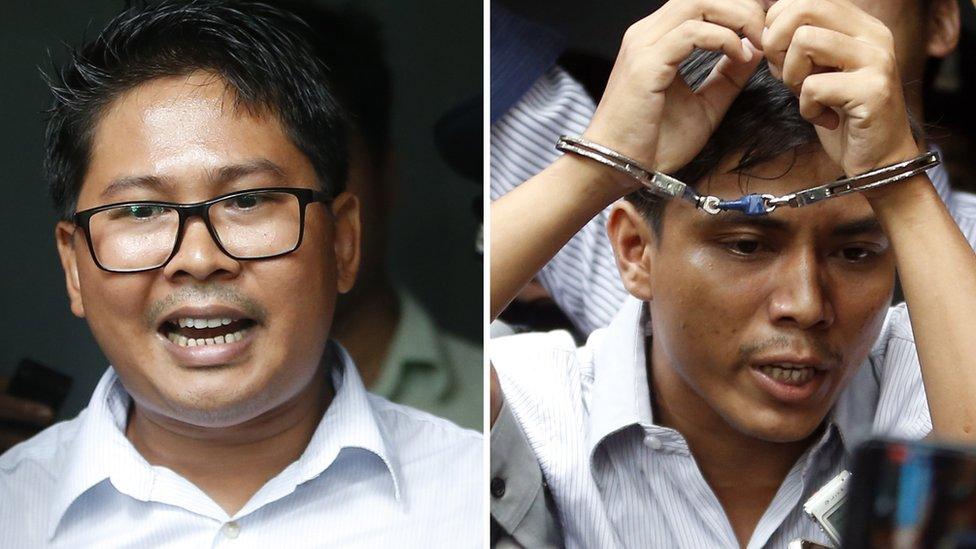 Wa Lone bersama sesama wartawan Reuters Kyaw Soe Oo
