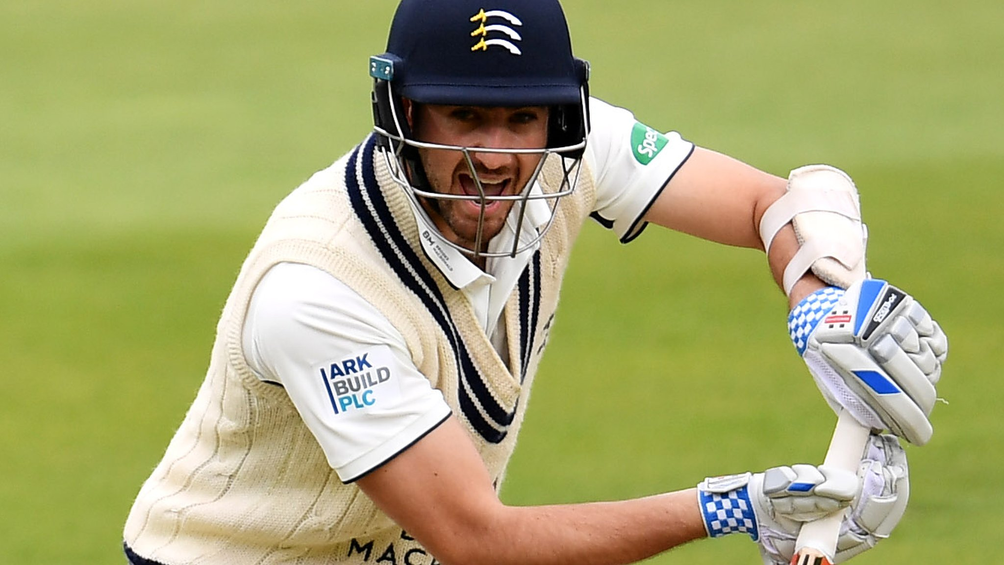 County Championship: Middlesex beat Leicestershire after tense run chase