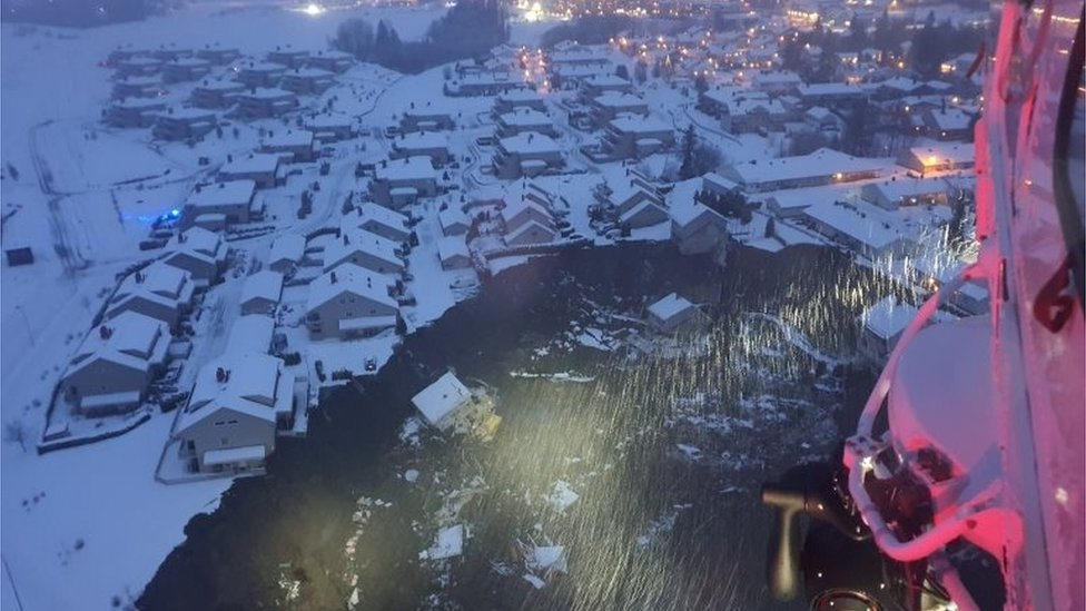 Norway landslide: Houses buried in Gjerdrum village near Oslo