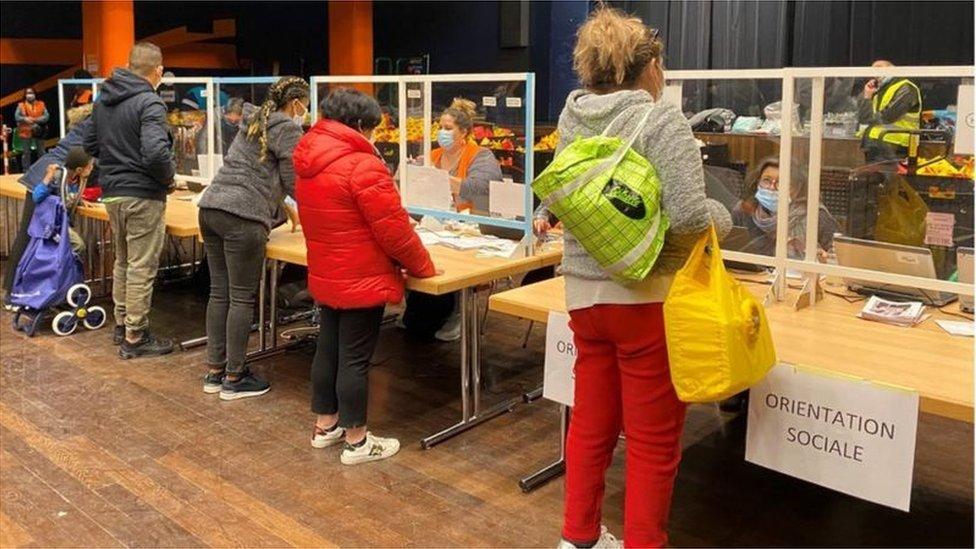 日內瓦生活成本昂貴,連食物救濟中心的志願工作者都感受壓力