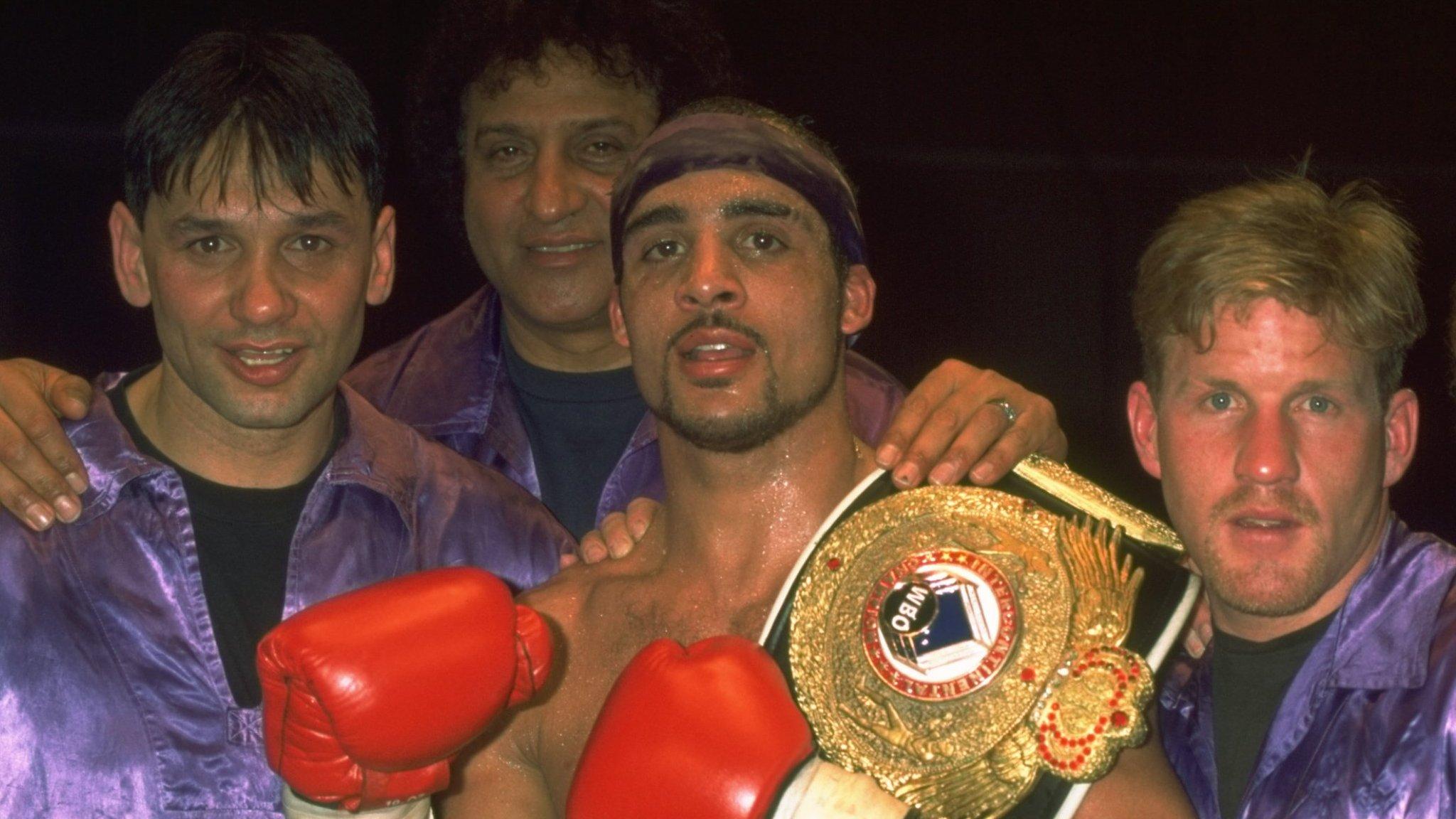 Dean Francis: Former European champion boxer dies aged 44