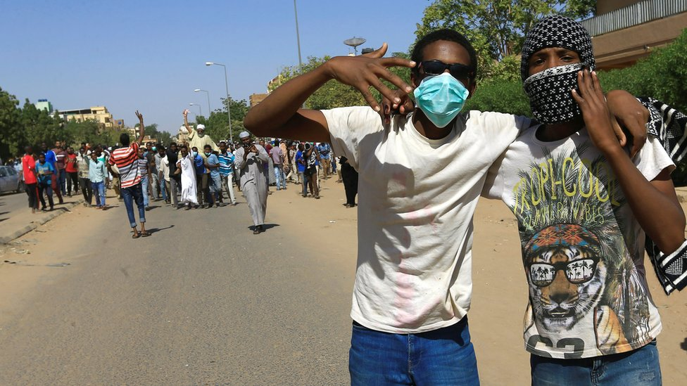 Sudanese demonstrators chant slogans near the home of a demonstrator who died of a gunshot wound sustained during anti-government protests in Khartoum, Sudan January 18, 2019.
