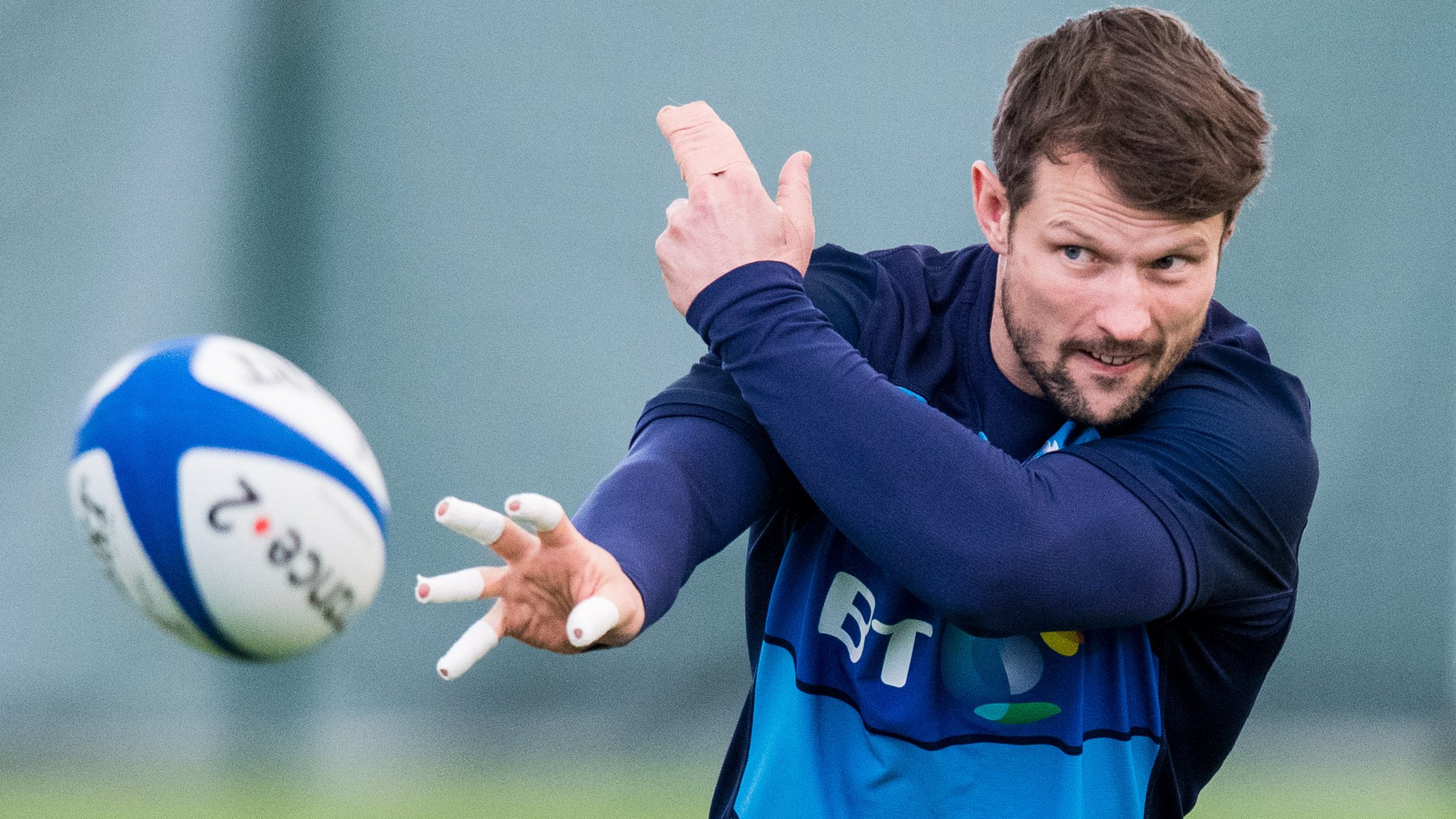 Horne replaces injured Russell at fly-half for Scotland v France
