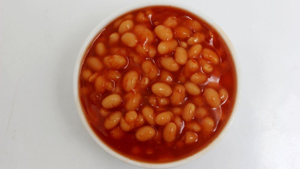 'Bean dad' apologises after tin can posts cause outcry thumbnail