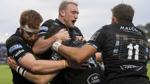 Warriors score seven tries to reach Pro14 final at Celtic Park