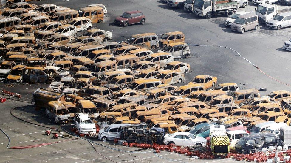 Spaljeni automobili Japanu