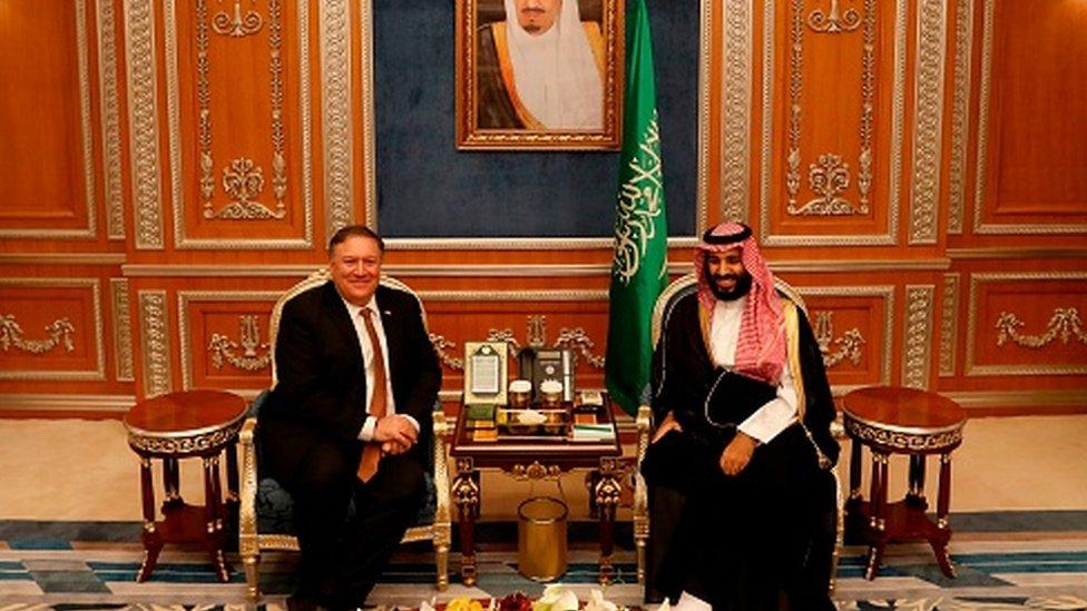 Mike Pompeo, 16 Ekim 2018'de Riyad'da Muhammed Bin Selman'la bir araya geldi