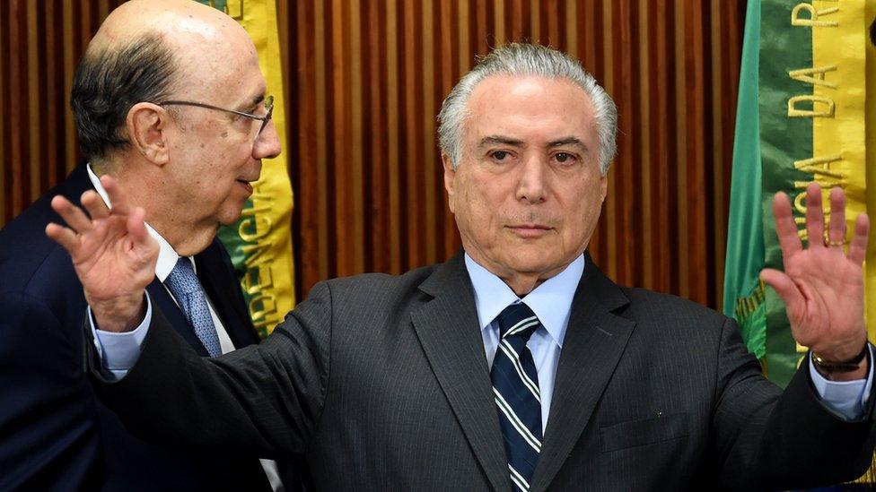 Michel Temer ao lado de Henrique Meirelles