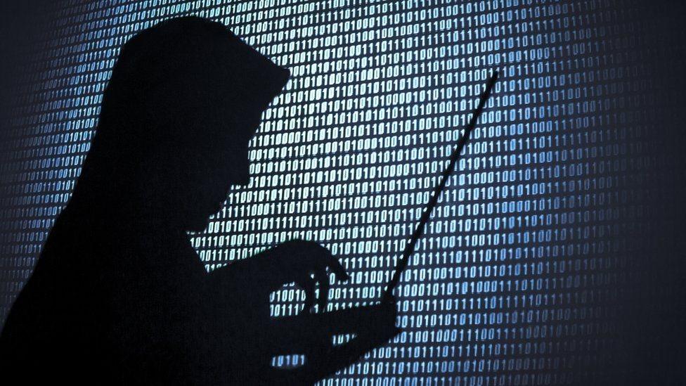 Una silueta de un hacker.