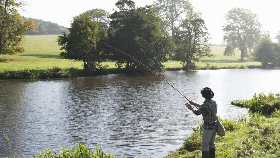 Covid-19: Praise as angling given lockdown go-ahead thumbnail